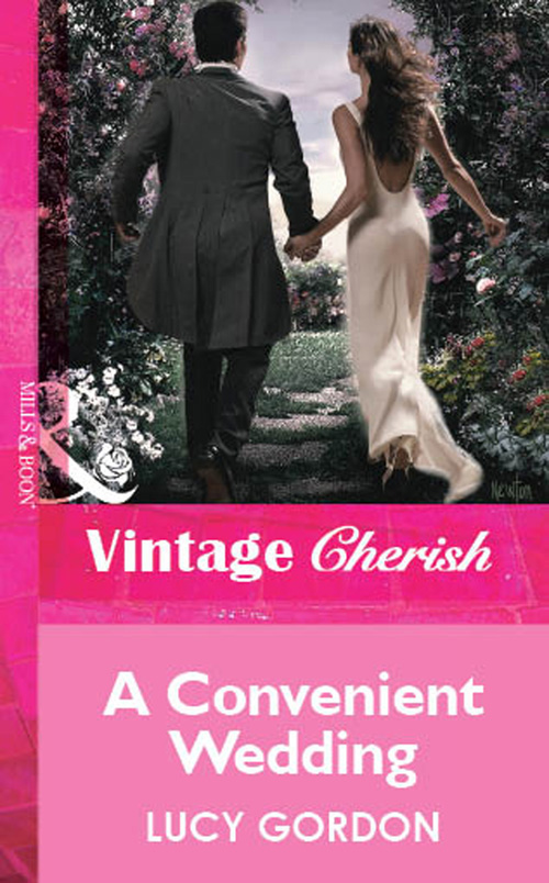 Lucy Gordon A Convenient Wedding цена